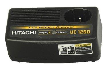 Hitachi UC 12 SD snellader (gebruikt)