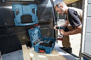 Bosch draadloze oplader voor li ion. voor auto en 230 volt